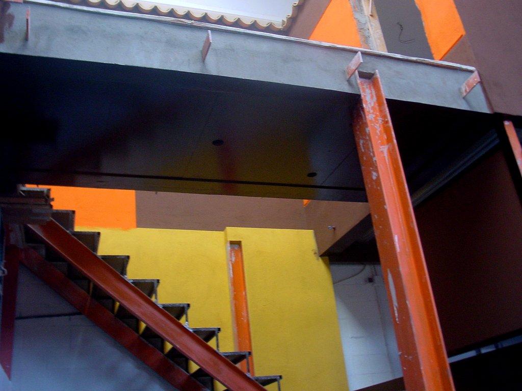 nave-escalera-4