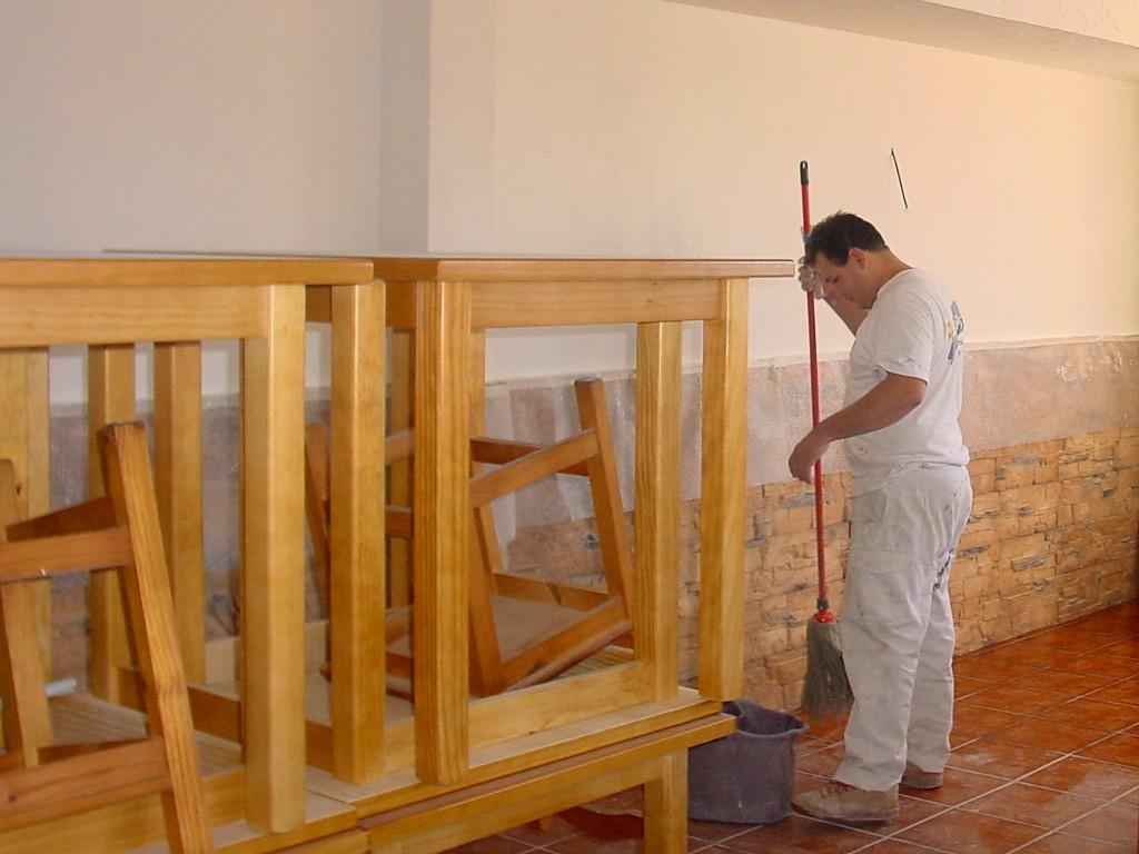 pintor-limpiando