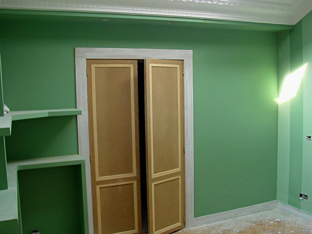 Pintura habitacion detalle puerta armario pictor decoris - Pintura para puertas ...